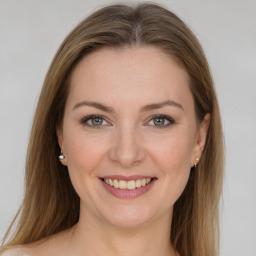 Claudia Lazuen